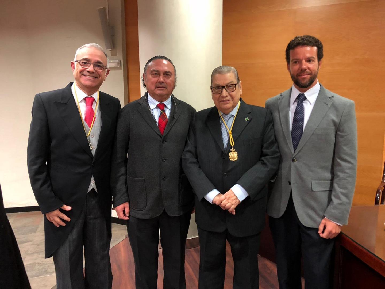 La Real Academia de Medicina y Cirugía de Cádiz  premia a Alejandro Montañés con el galardón patrocinado por el Colegio Oficial de Dentistas de Cádiz (CODC)